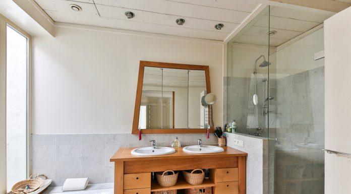 יתרונות של מקלחון פינתי