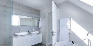 האם מקלחון לאמבטיה עדיף על פני אמבטיה?